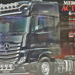 Tamiya Mercedes-Benz Actros – 3363 6×4 GigaSpace Tractor Trailer