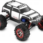 Summit VXL: 1/16-Scale 4WD Electric Extreme Terrain